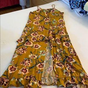 MAXI DRESS WITH SPLIT